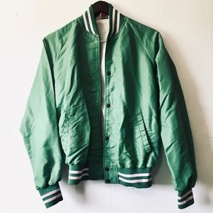 • unique vintage lightweight green bomber jacket •